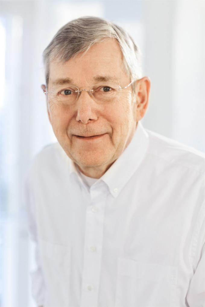 Dr. Rainer Lohmann